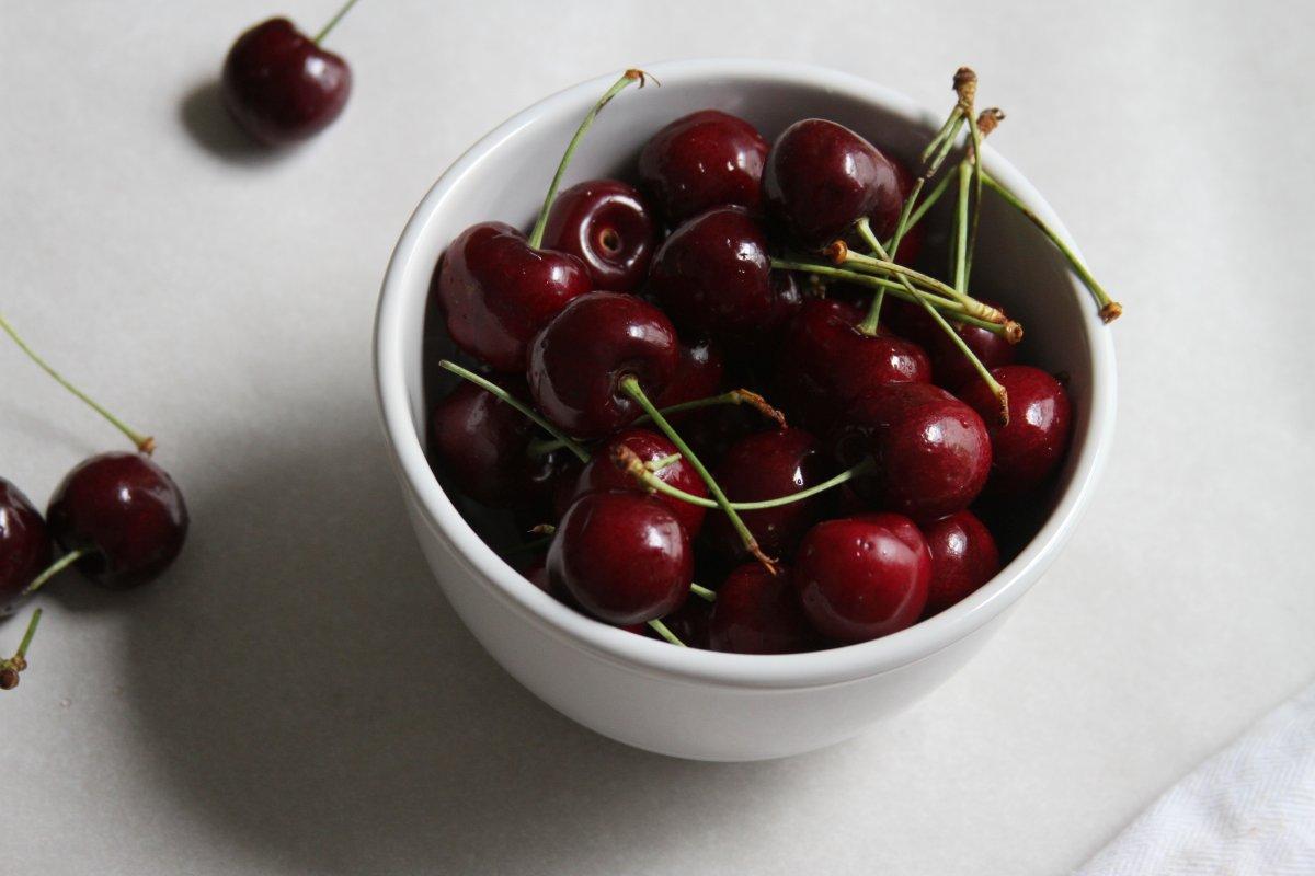 Dark Chocolate-Cherry-Coconut Quinoa