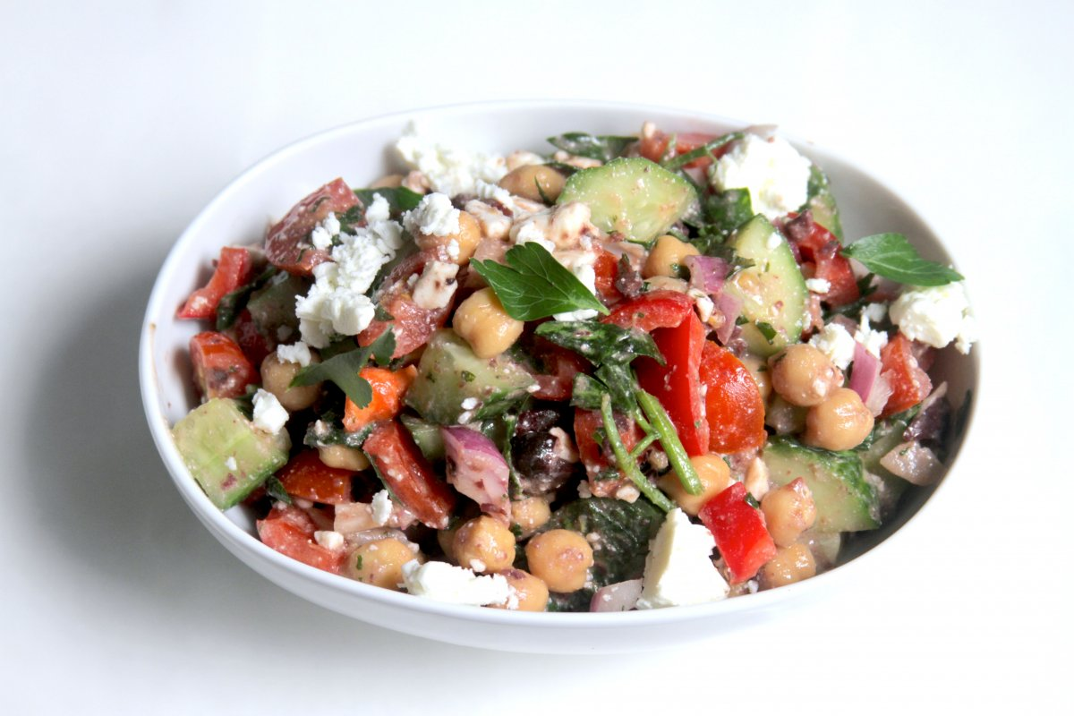 This pretty little chickpea salad was lunch yesterday. I love bright ...