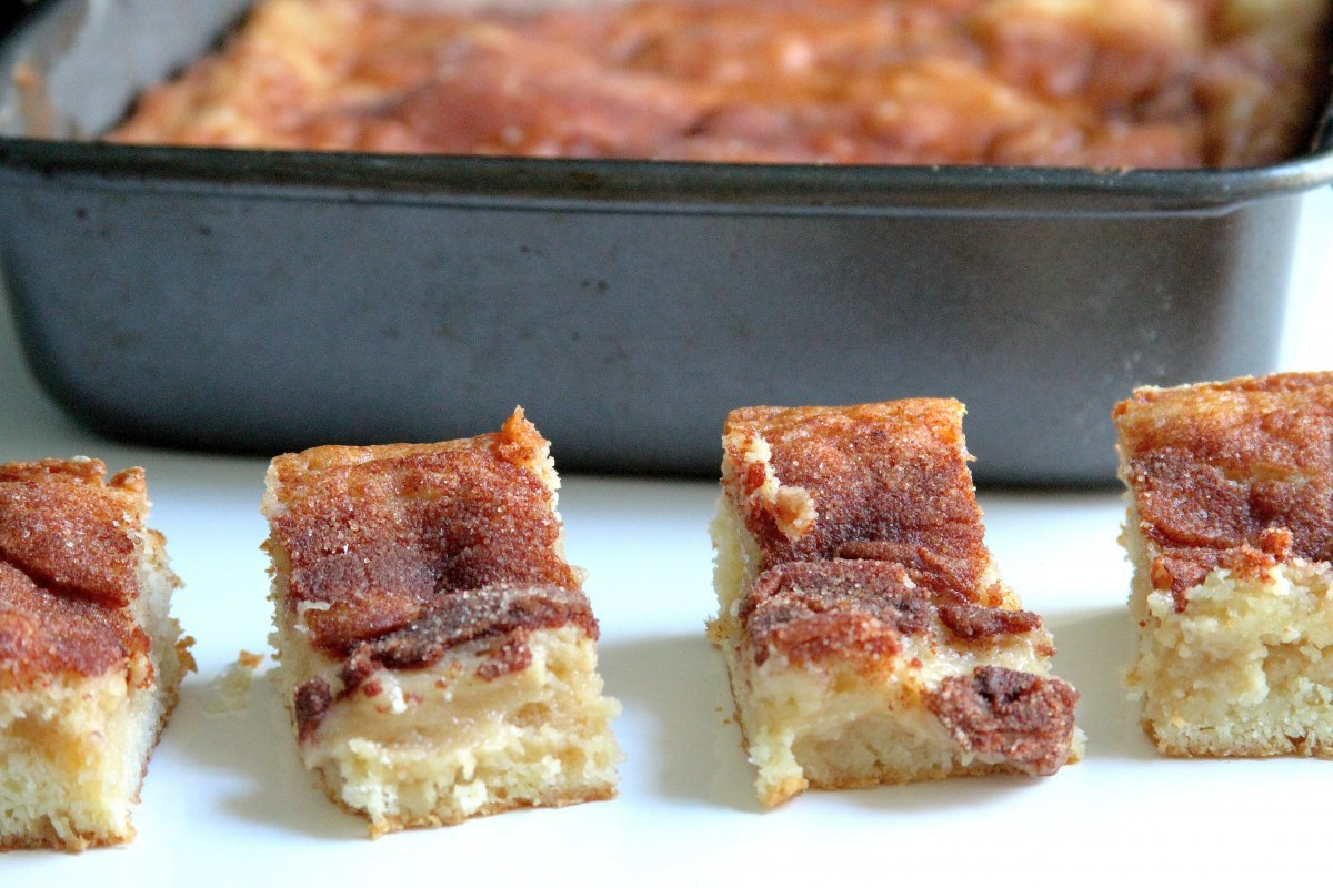Gooey Cinnamon Squares Baker By Nature