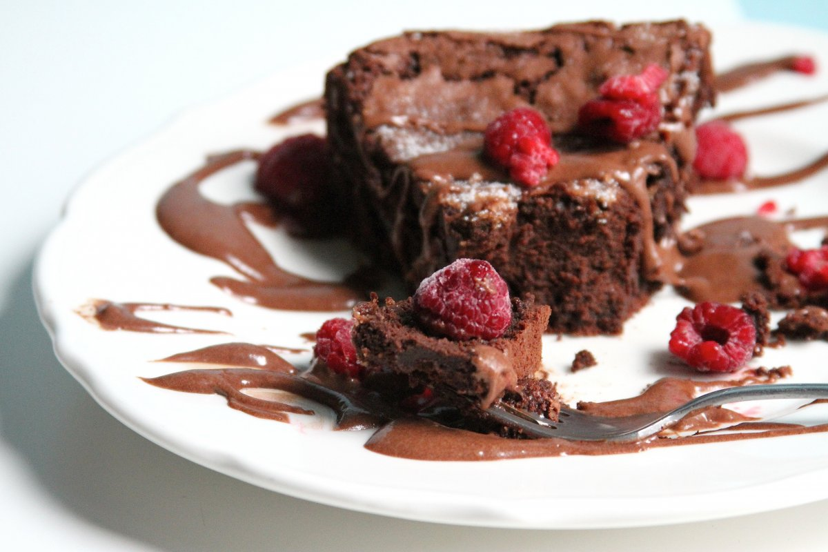 Flourless Chocolate Whiskey Cake with Chocolate Whiskey ...