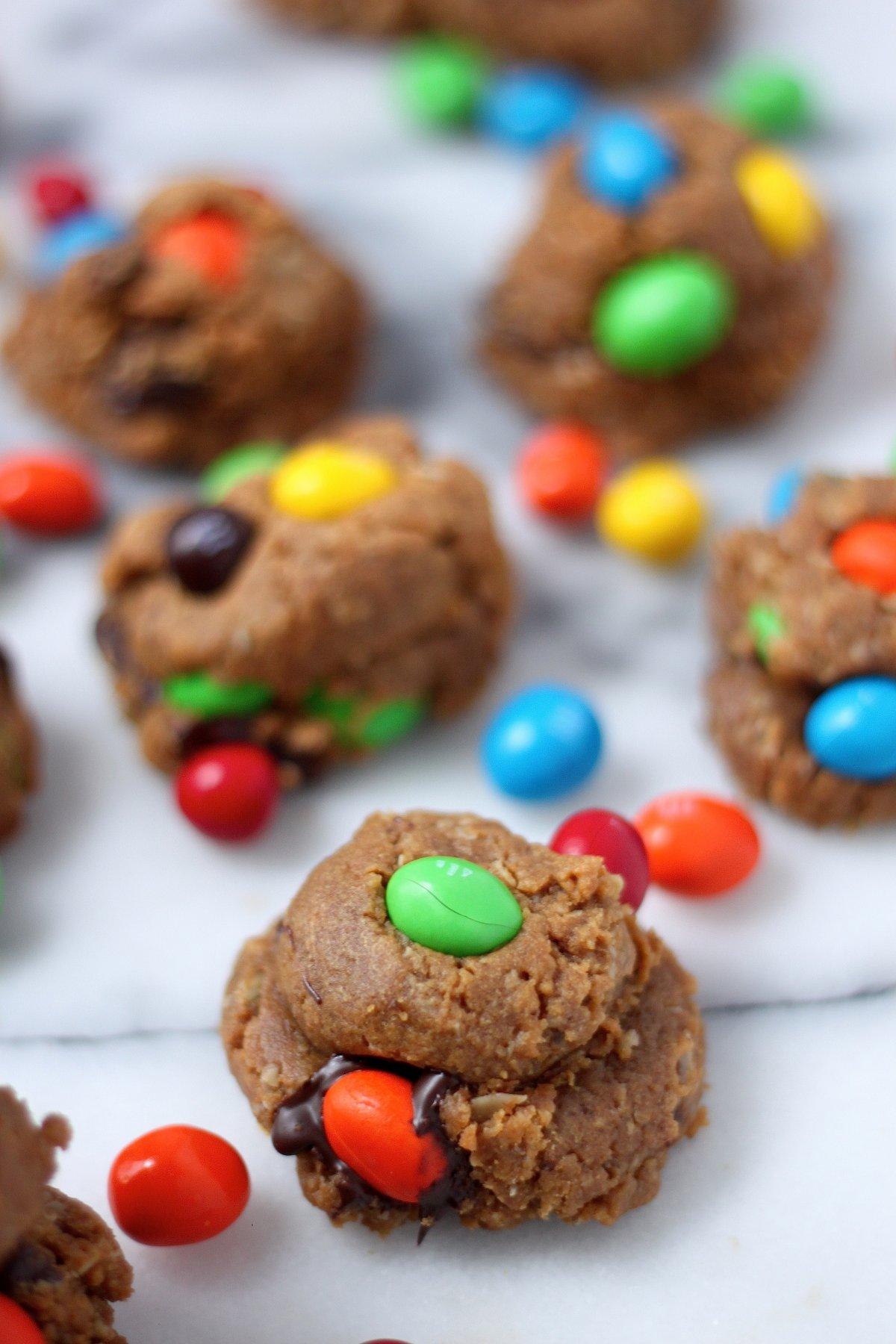 (Flourless) Peanut Butter M&M Chocolate Chunk Cookies
