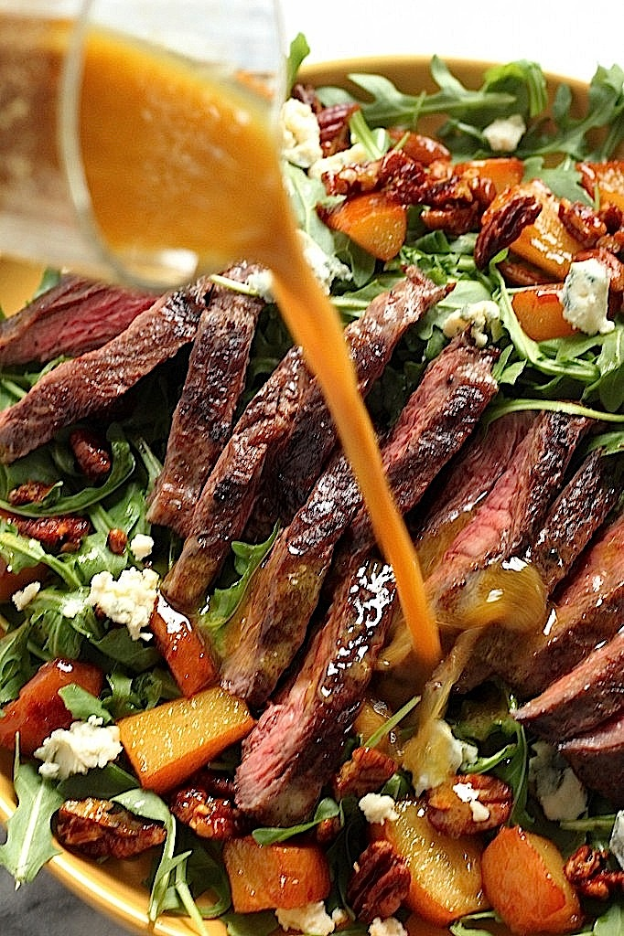 Arugula Skirt Steak Salad with Caramelized Pears, Pecans, and Gorgonzola