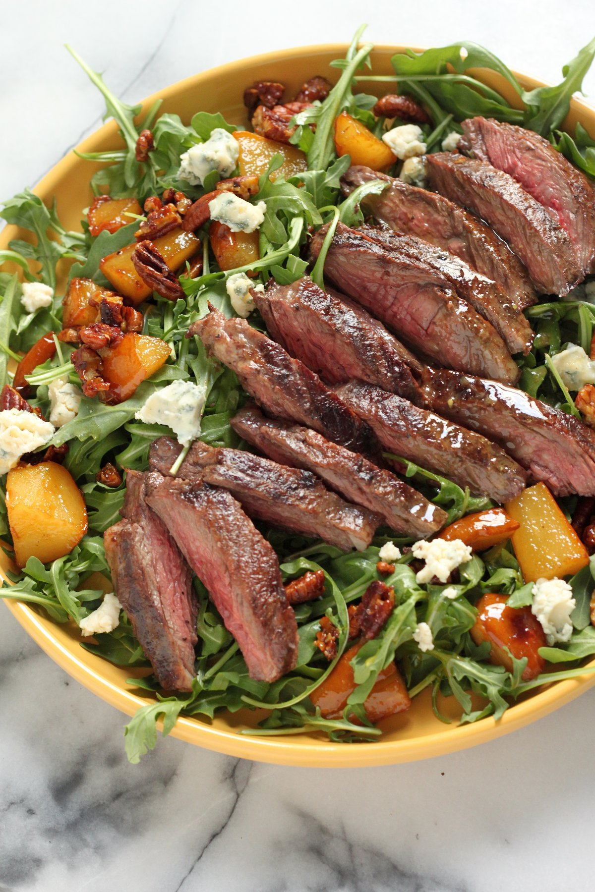 Arugula Skirt Steak Salad with Caramelized Pears, Pecans, and ...