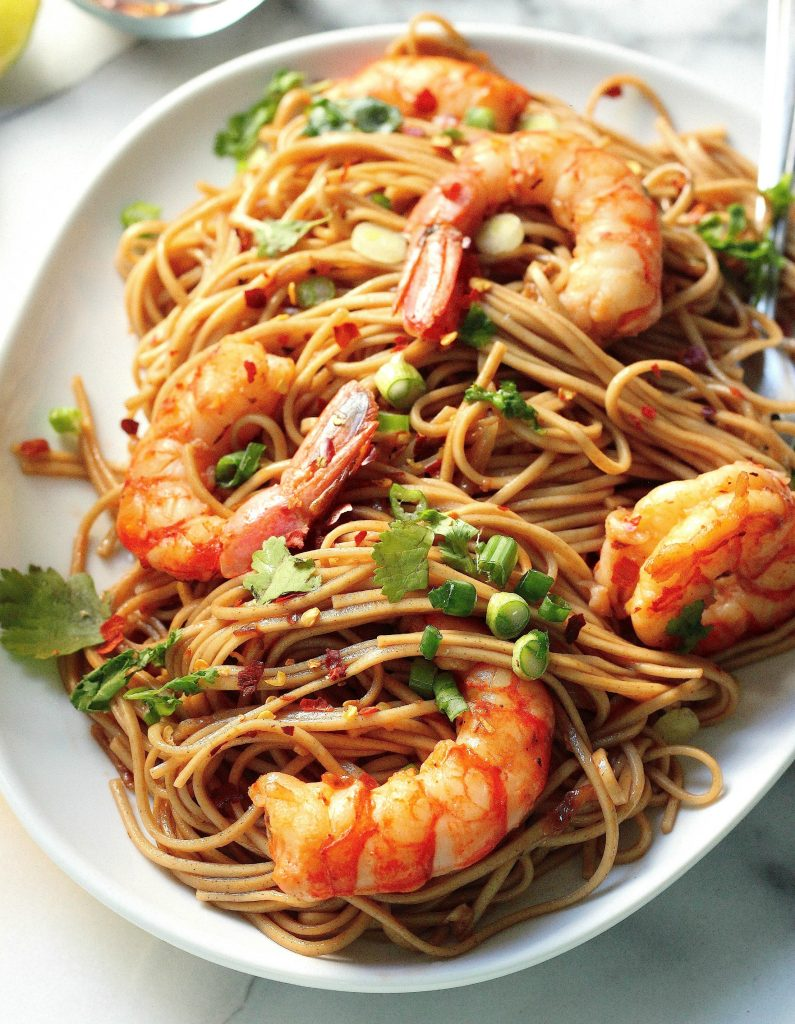 Super Simple Garlic and Ginger Shrimp Soba Noodles