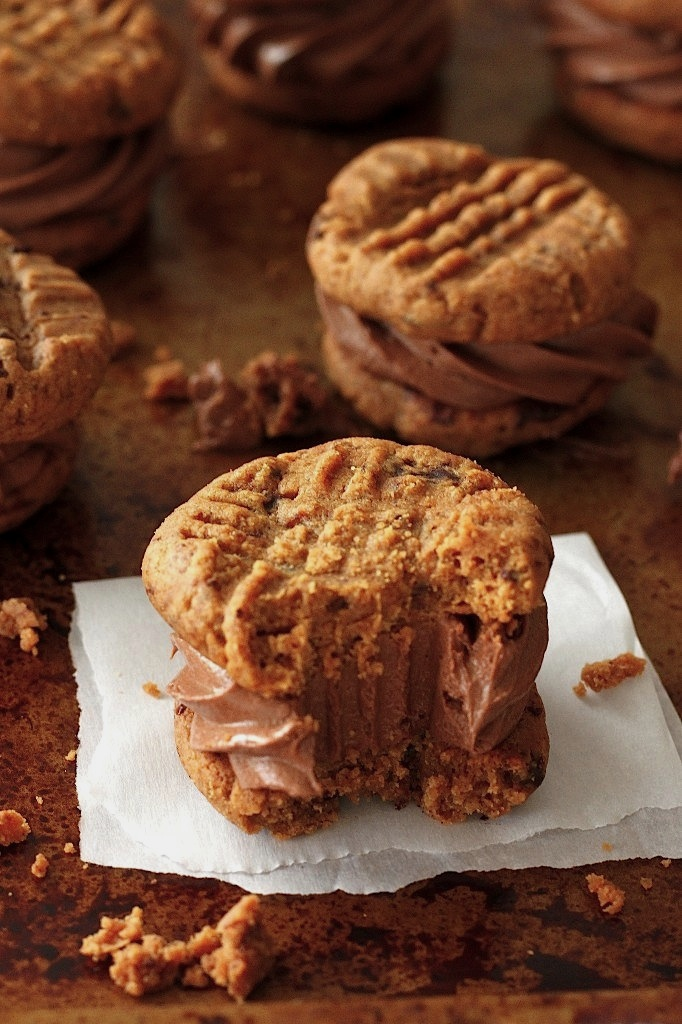 Flourless Peanut Butter and Chocolate Cookie Sandwiches
