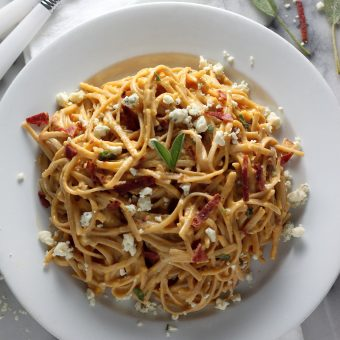 Sunday Suppers: Creamy Butternut Squash, Bacon, and Gorgonzola Linguini