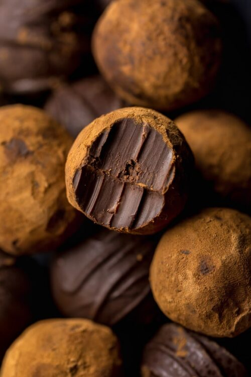 You'll love this fun and easy recipe for Red Wine Chocolate Truffles! Because is there anything better than red wine and chocolate?!
