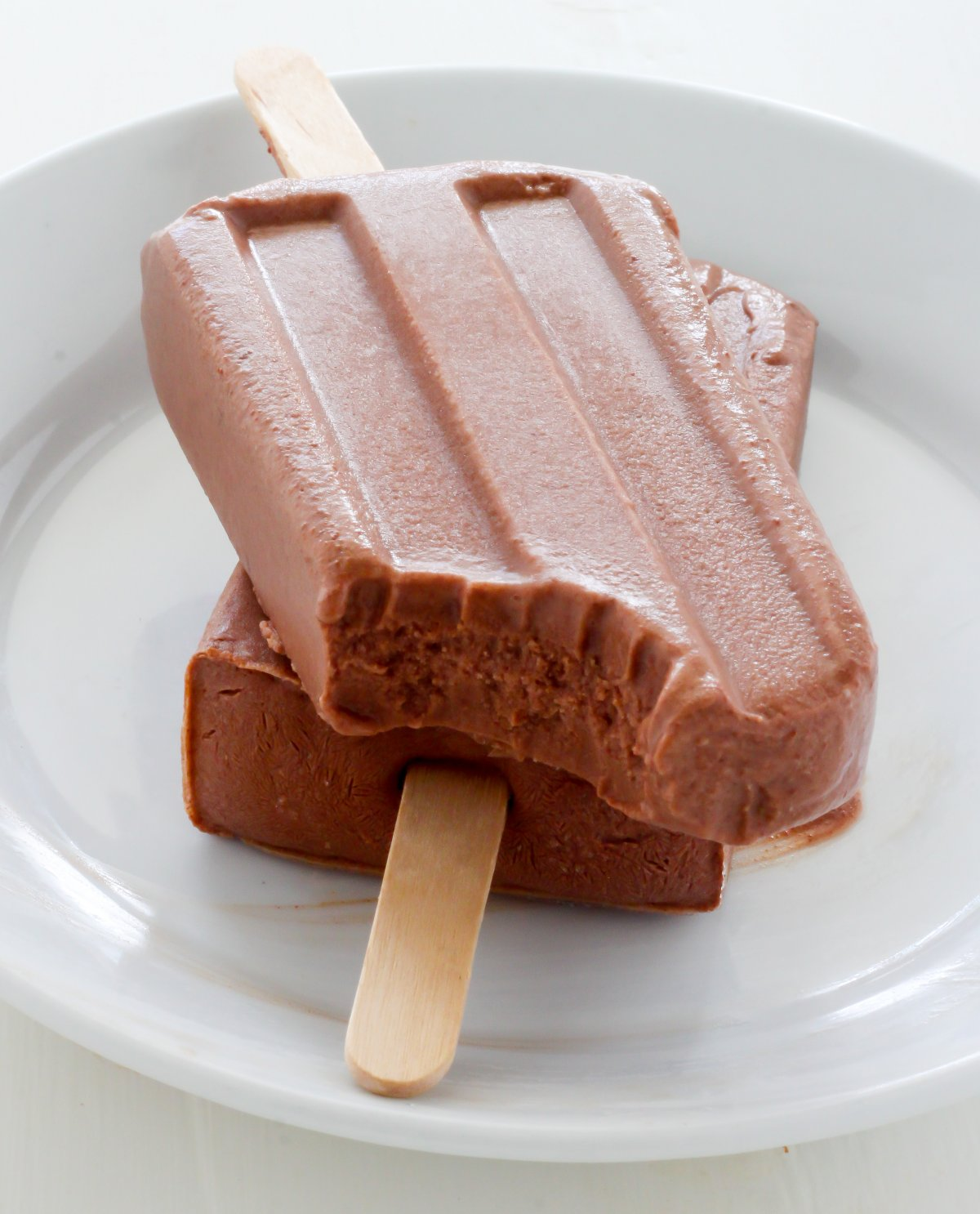 Healthy Greek Yogurt Chocolate Fudge Pops