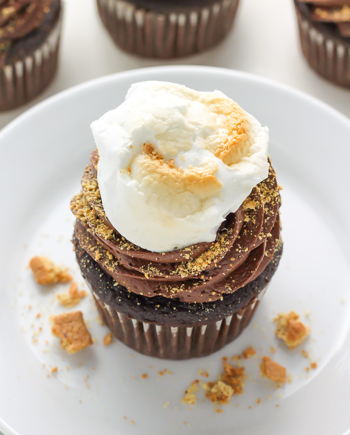 Nutella Stuffed S'mores Cupcakes - omg these are so decadent!