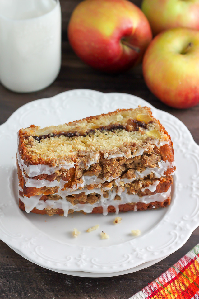 Cinnamon Swirl Apple Crumb Cake