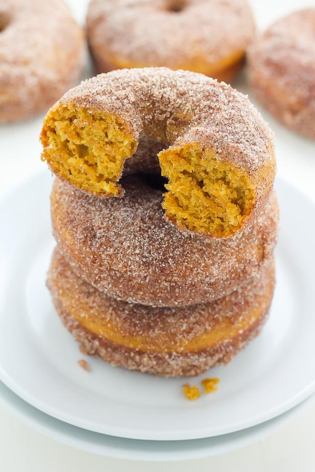 Pumpkin Cinnamon Sugar Donuts (Includes vegan version) - Baker by ...
