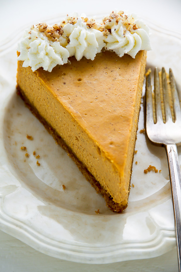 Classic Pumpkin Pie Cheesecake - this is what Fall dreams are made of ...
