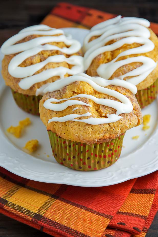 Simple Pumpkin Muffins with Vanilla Glaze