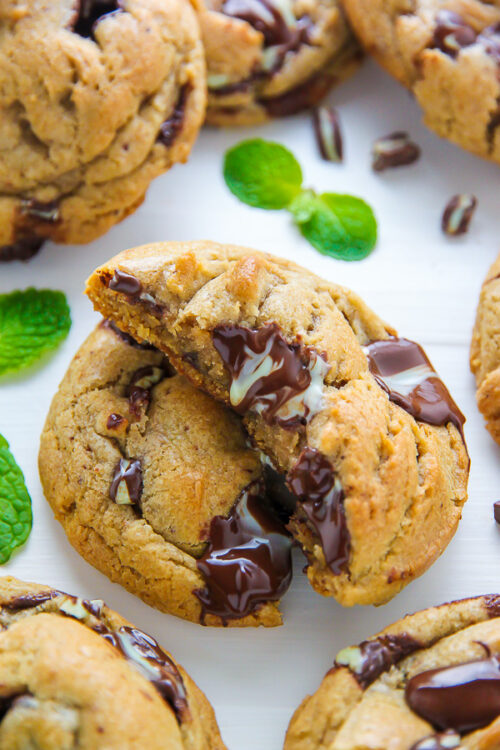 If you adore the combination of mint and chocolate, these thick and chewy mint chocolate chunk cookies are for you!
