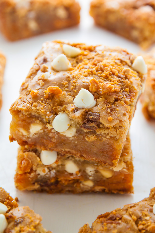 Chewy Butterfinger Blondies loaded with White Chocolate Chips! Easy, delicious, incredible.