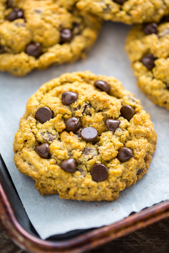 My Pumpkin Oatmeal Chocolate Chip Cookies have chewy centers and crispy edges! Sure to become a Fall favorite.