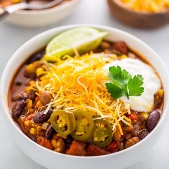 Hearty and comforting slow cooker turkey chili!