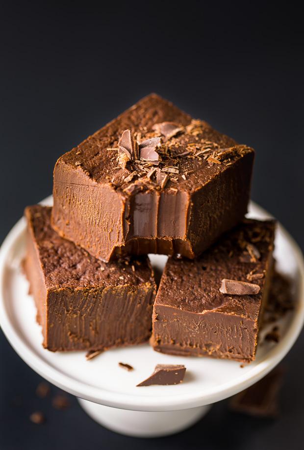 Super EASY Creamy Kahlua Chocolate Fudge!