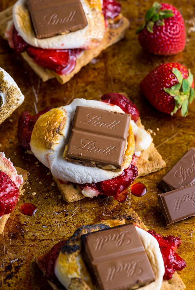 Roasted Strawberry Cheesecake S'mores