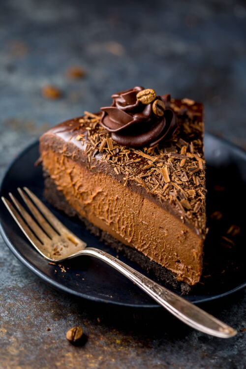 An easy and delicious recipe for No-Bake Espresso Chocolate Cheesecake! So rich and creamy... it's hard to stop at one slice.
