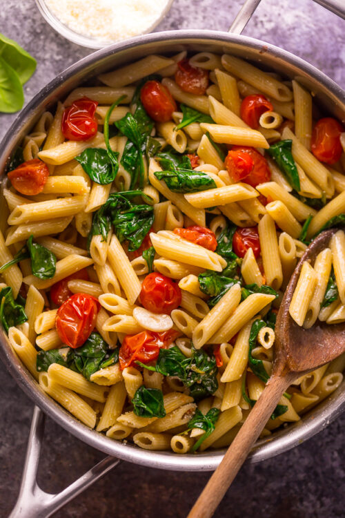 Easy Tomato and Spinach Pasta