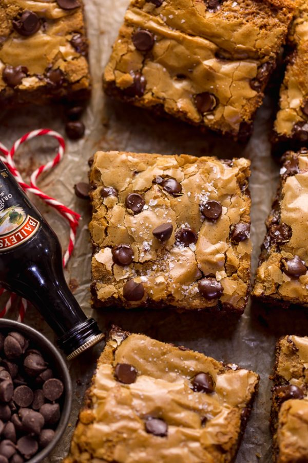 Although I don't love drinking Bailey's Irish Cream (way too sweet for me!), I LOVE baking with it!!! And these Bailey's Irish Cream Chocolate Chip Cookie Bars are one of the best things to come out of my oven all month! They taste just like my Bailey's Chocolate Chip Cookies... but SO much easier!